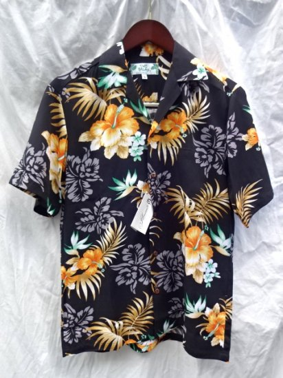 TWO PALMS Aloha Shirts Made in Hawaii  <BR>  Hibiscus Black × Orange