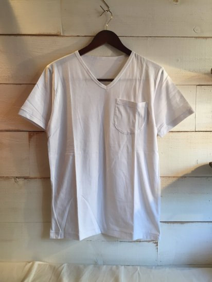 Made in Britain Binder V Neck Pocket Tee White<BR>SALE! 4,800 + Tax → 2,400 + Tax