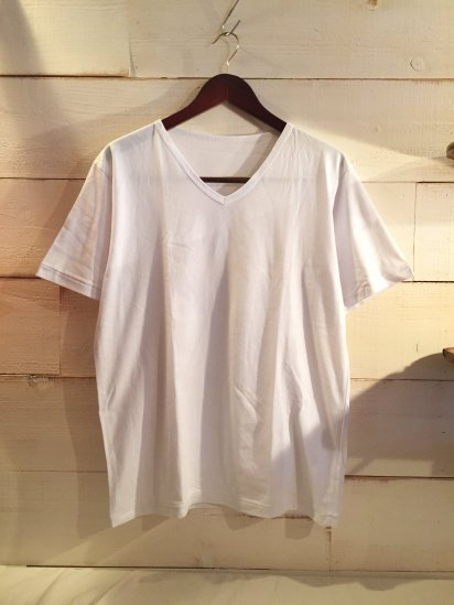 Made in Britain Binder V-Neck Tee White<BR>SALE! 4,500 + Tax → 2,700 + Tax