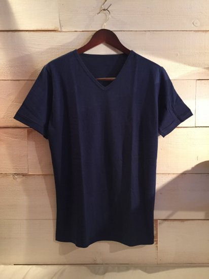 Made in Britain Binder V-Neck Tee Navy<BR>SALE! 4,500 + Tax → 2,700 + Tax