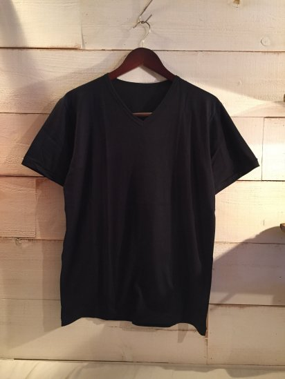Made in Britain Binder V-Neck Tee Black<BR>SALE! 4,500 + Tax → 2,700 + Tax