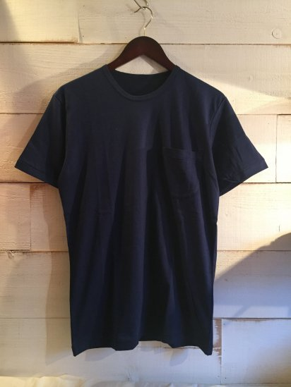 Made in Britain Binder Crew Neck Pocket Tee Navy<BR>SALE! 4,800 + Tax → 2,880 + Tax