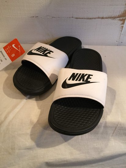 NIKE BENASSI JDI White/Black<BR>SALE! 4,000 + Tax → 2,500 + Tax