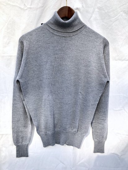John Smedley Extra Fine Merino Wool Knit A3742 PULLOVER Made in England Silver