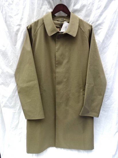 Mackintosh by Francis Campelli made in Ireland<BR>1 Panel Sleeve Single Mac Coat Olive