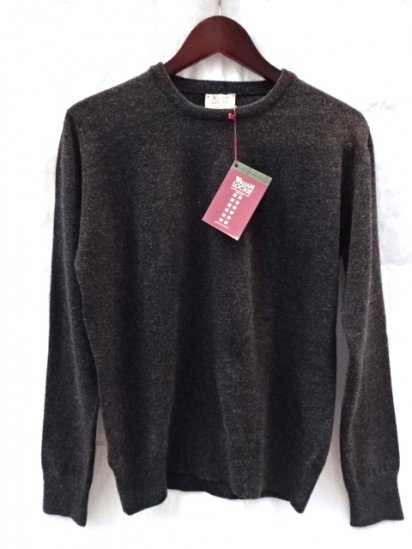 WILLIAM LOCKIE Made in SCOTLAND Super Geelong Lambs Wool Crew Neck Sweater for ILLMINATE Charcoal