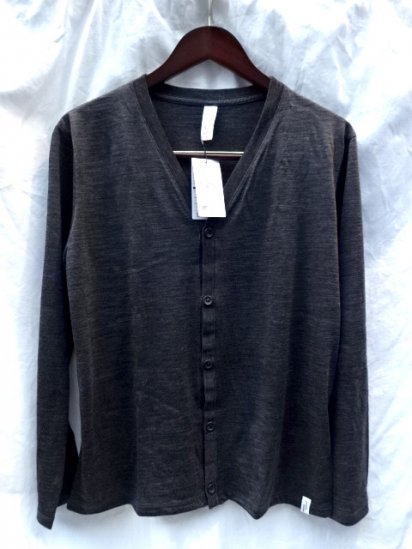 good & woolen 17.5μ Superfine New Zealand Merino Wool Cardigan Made in Japan Charcoal