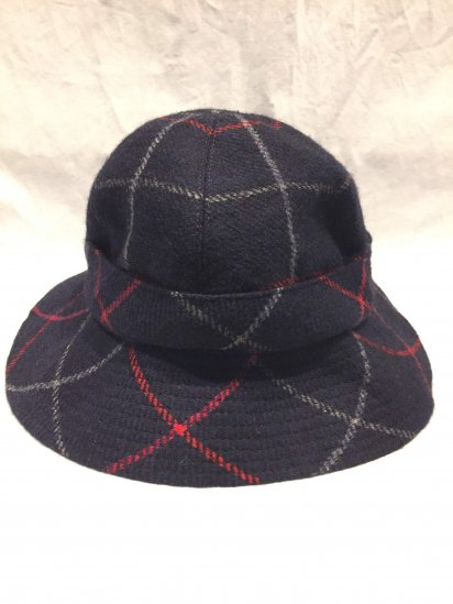 Vintage Burberrys' Wool Hat Made in England Navy Tartan