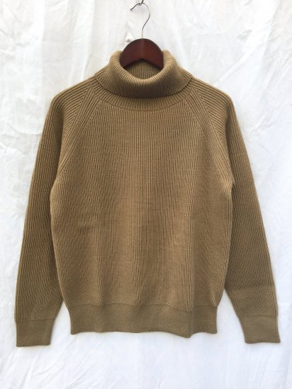 Vincent et Mireille 8GG AZE Knit Turtle Neck Sweater Light Khaki