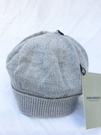 John Smedley Extra Fine Merino Wool Knit Cap Made in England Light Grey