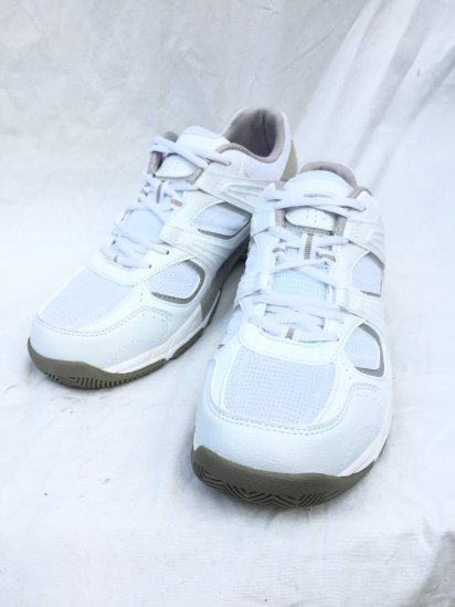 Dead Stock British Military Training Shoes by MAGNUM White x Silver