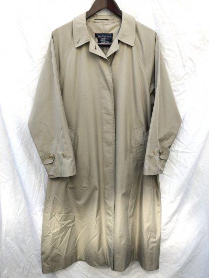 80's Vintage Burberry's 1 Piece Raglan Sleeve W's  Balmacaan Coat With Belt Made in England