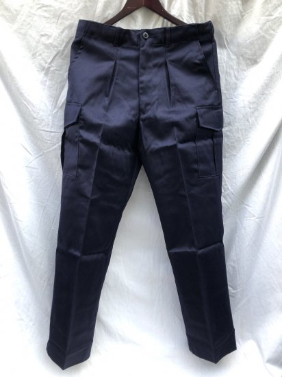 <img class='new_mark_img1' src='https://img.shop-pro.jp/img/new/icons50.gif' style='border:none;display:inline;margin:0px;padding:0px;width:auto;' />Dead Stock Royal Navy AWD (Action Working Dress) Trousers 80/84/100