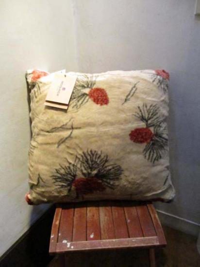 Woolrich cushion pinecone