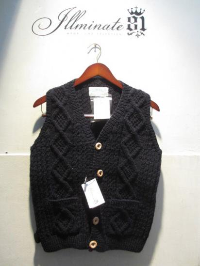INVERALLAN 9H Button Front Vest Made in Scotland Navy