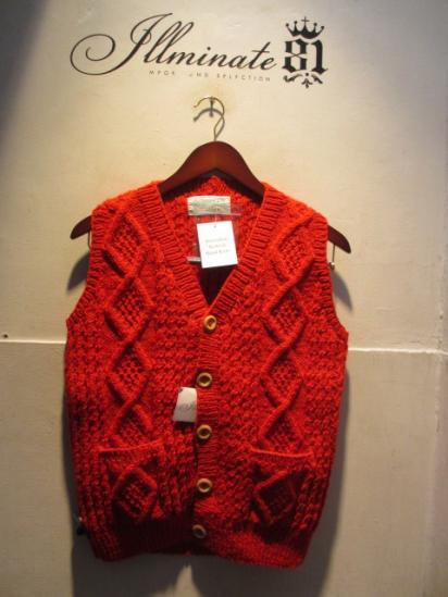 INVERALLAN 9H Button Front Vest Made in Scotland Red
