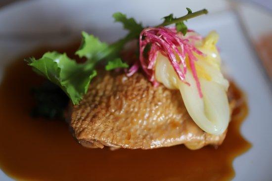 大鰐産青森シャモロックモモ肉と奇跡のりんご生姜風味醤油煮