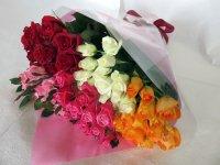 喜寿お祝いバラの花束(5色パレット)77本