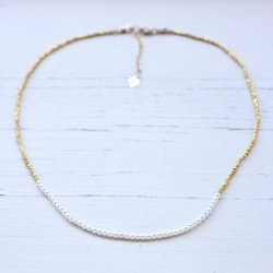 KAREN PEARL SHORT NECKLACE<img class='new_mark_img2' src='https://img.shop-pro.jp/img/new/icons8.gif' style='border:none;display:inline;margin:0px;padding:0px;width:auto;' />