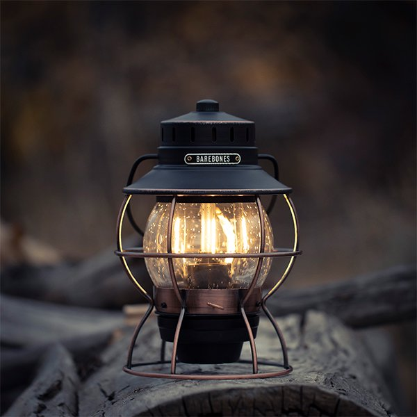 Barebones Living  レイルロードランタン LED