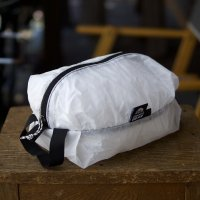 <img class='new_mark_img1' src='https://img.shop-pro.jp/img/new/icons7.gif' style='border:none;display:inline;margin:0px;padding:0px;width:auto;' />GRANITE GEAR  WHITE AIR ZIPSACK 5L