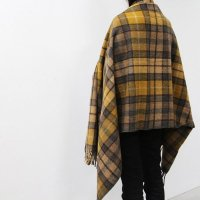 <img class='new_mark_img1' src='https://img.shop-pro.jp/img/new/icons7.gif' style='border:none;display:inline;margin:0px;padding:0px;width:auto;' />The Tartan Blanket Co.  Recycled Wool Knee Blanket