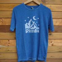 <img class='new_mark_img1' src='https://img.shop-pro.jp/img/new/icons47.gif' style='border:none;display:inline;margin:0px;padding:0px;width:auto;' />GoodNews × RIMBA  RIMBA LOGO BATIK TEE  (NAVY × NATURAL)