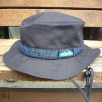 <img class='new_mark_img1' src='https://img.shop-pro.jp/img/new/icons47.gif' style='border:none;display:inline;margin:0px;padding:0px;width:auto;' />KAVU  Strap Bucket Hat  (BLACK-2)