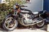 <img class='new_mark_img1' src='https://img.shop-pro.jp/img/new/icons15.gif' style='border:none;display:inline;margin:0px;padding:0px;width:auto;' />(予約)【ミニチャンプス】 1/12 ホンダ CB 900 ボルドール 1978 ブラック [122161902]