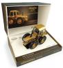 ■【ユニバーサルホビー】 1/32 フォード County 1174 ゴールド エディション County 50周年記念モデル 1929-1979 限定 1,500pcs [E6211]