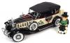 ■【アメリカンマッスル】 1/18 1932 キャデラック V16 フェートン Mr.モノポリー クリーム/ブラック (フィギュア付) [AWSS127]