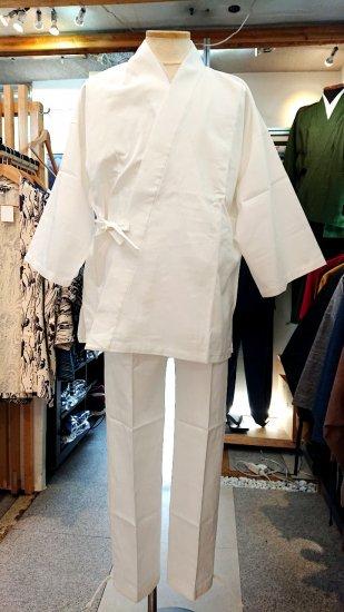 白の作務衣